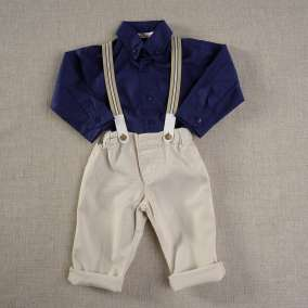Conjunto Calça Sarja com Suspensório e Camisa Marinho